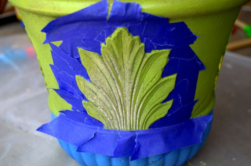 DIY flower planter { painted pot)