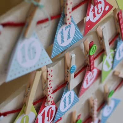 DIY CHRISTMAS TREE ADVENT CALENDAR { Tutorial }