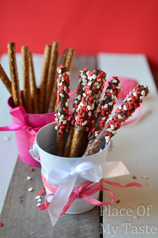 Chocolate covered pretzels @placeofmytaste.com-2