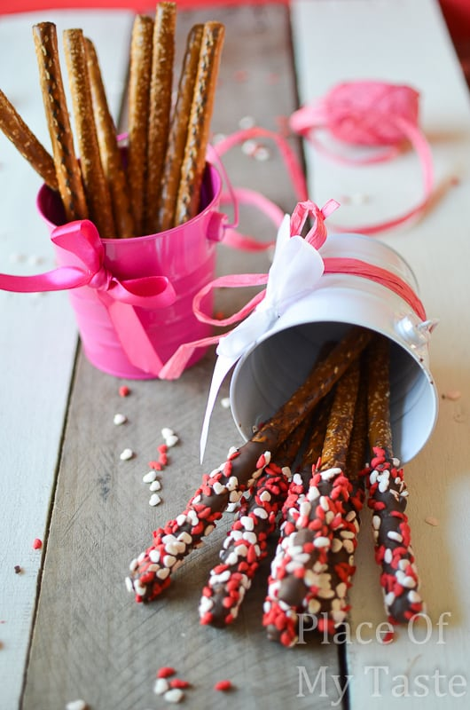 Chocolate dipped pretzels @placeofmytaste.com-7