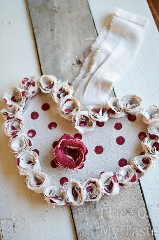 Drop Cloth Rosette Valentine Wreath @placeofmytaste.com(11)