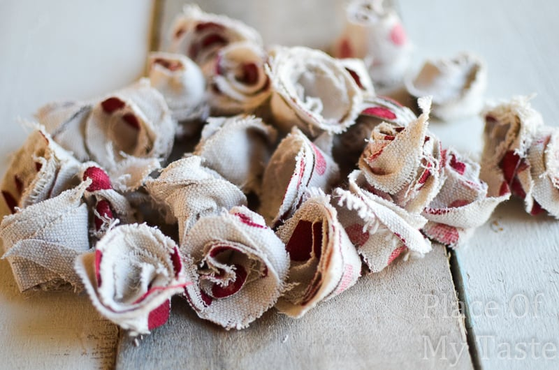Drop cloth rosettes are so easy to make and they are just simply beautiful.