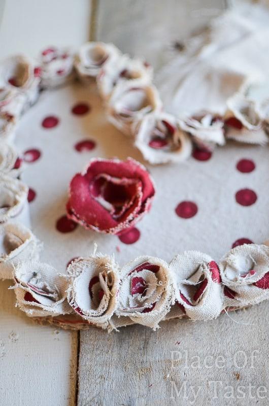 Drop Cloth Rosette Valentine Wreath @placeofmytaste.com(9)