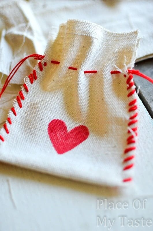 Stitched Valentine's Treat Bags (13) DIY bag