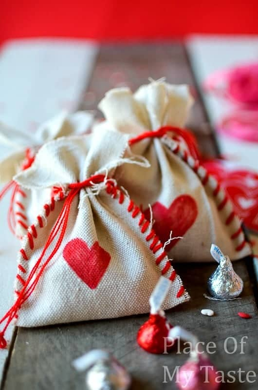 Stitched Valentine's Treat Bags (20)