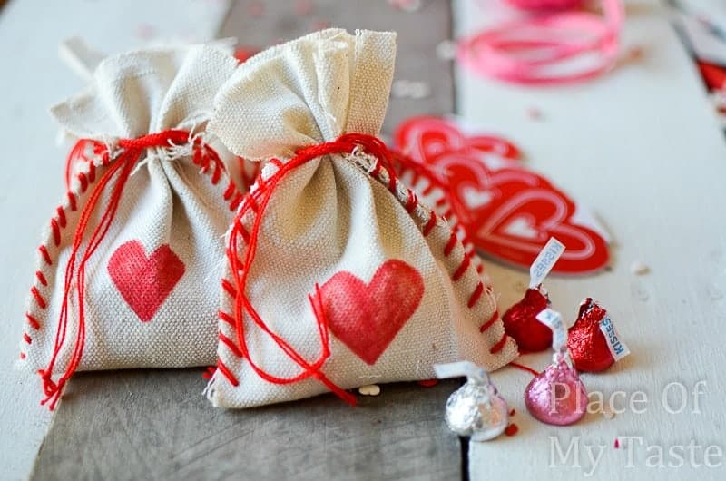 Stitched Valentine's Treat Bags (23) DIY bag