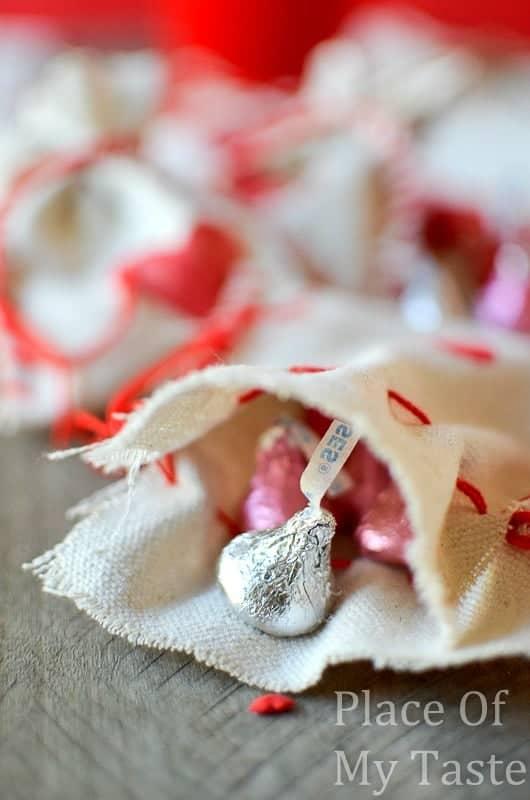 Stitched Valentine's Treat Bags (34) DIY bag