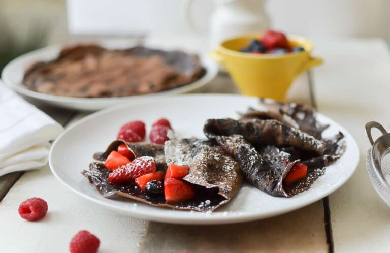 CHOCOLATE CREPES WITH BERRY COMPOTE