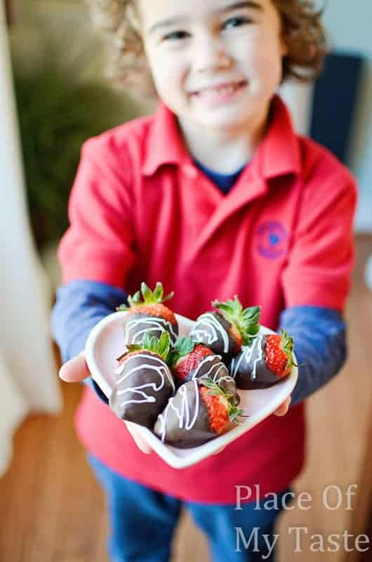 Chocolate dipped strawberries @placeofmytaste.com-26