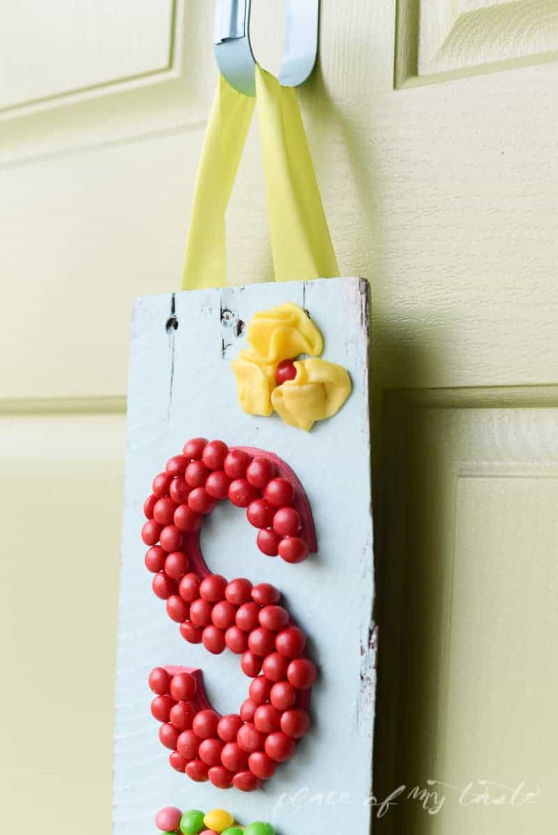 Spring hanging sign with Skittles-PlaceOfMyTaste