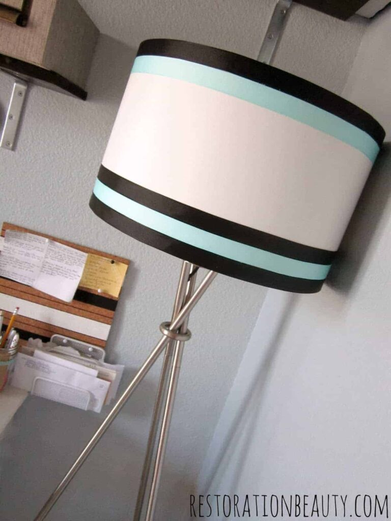 lampshade makeover using ribbon