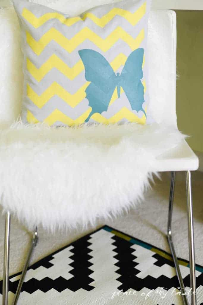 Decorative Stenciled Pillowcase by Place Of My Taste  (7 of 9)
