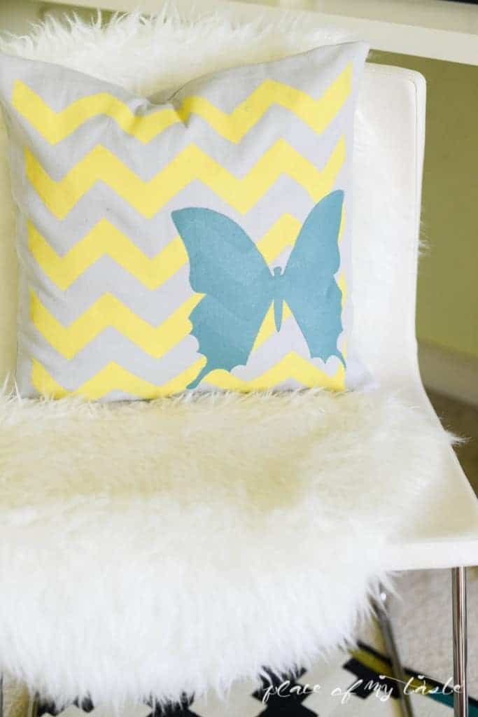 Decorative Stenciled Pillowcase by Place Of My Taste  (8 of 9)