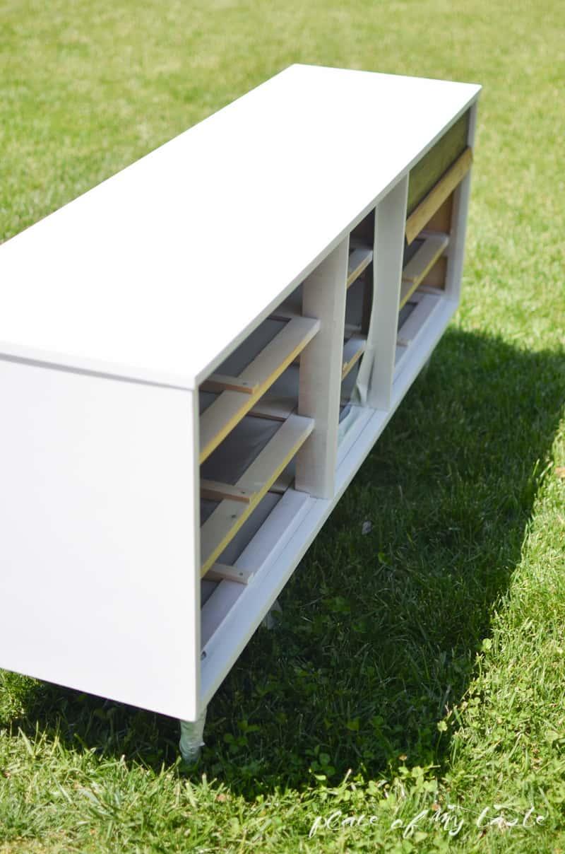 Mid-Century modern dresser makeover - www.placeofmytaste
