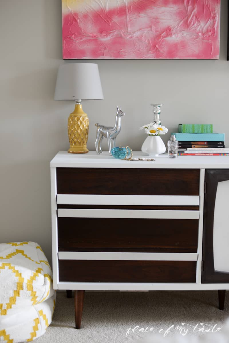 Mid-Century modern dresser makeover - www.placeofmytaste.com