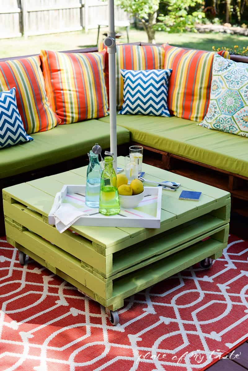 DIY Pallet Furniture Patio Makeover  Www.placeofmytaste.com