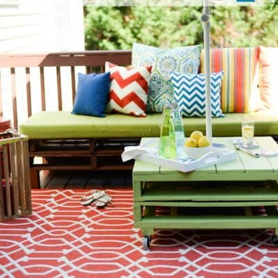DIY PALLET FURNITURE – PATIO MAKEOVER