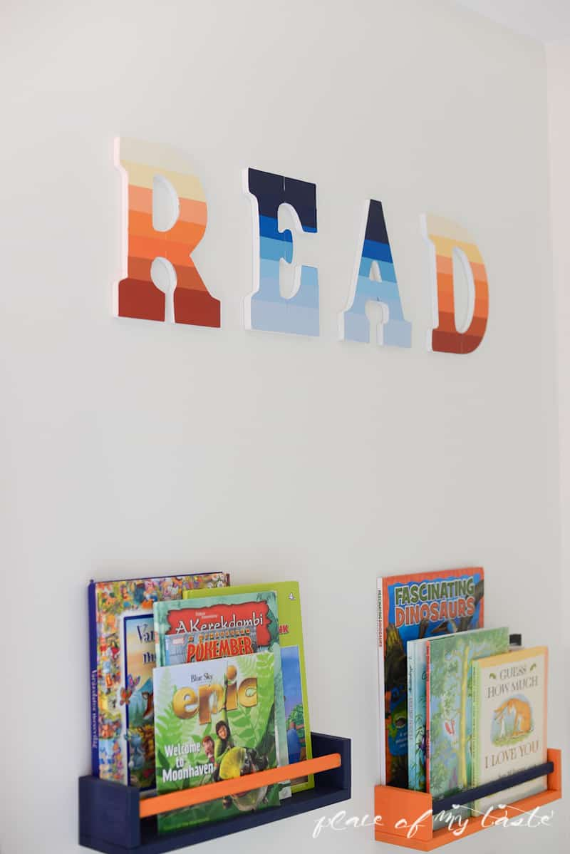 Rainbow 'READ' sign |www.placeofmytaste.com| #CraftandCleanUp #PMedia #ad