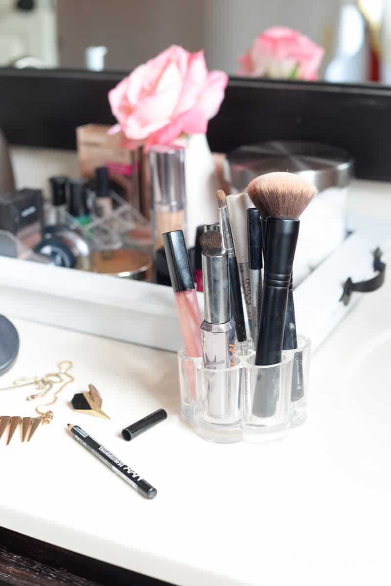 Organizing- Makeup Station- Place Of My Taste -3628