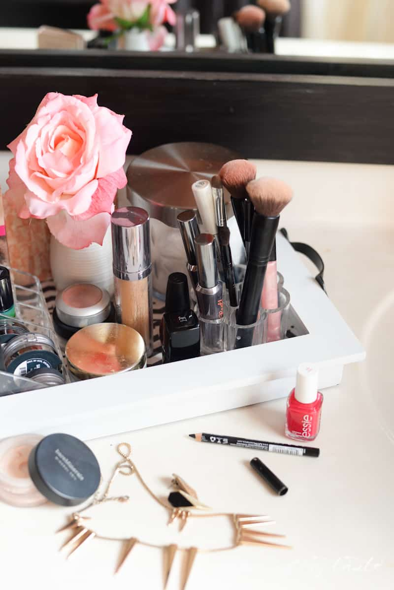 Organizing- Makeup Station- Place Of My Taste -3644
