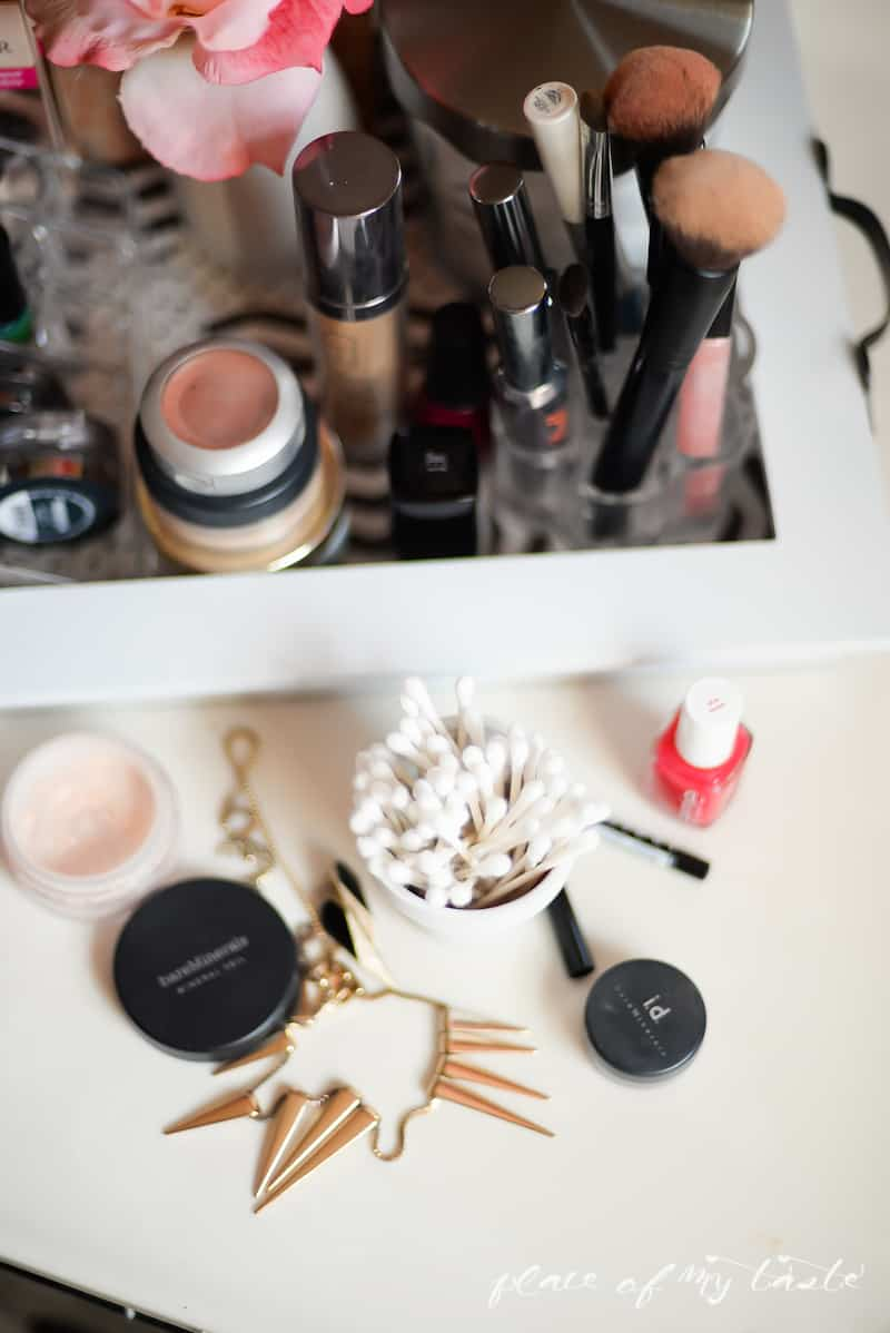 Organizing- Makeup Station- Place Of My Taste -3668