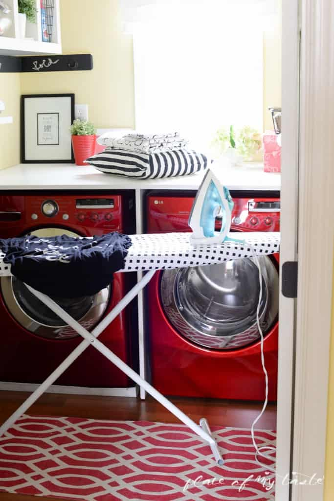 Organzied Laundry space - www.placefomytaste.com-4174