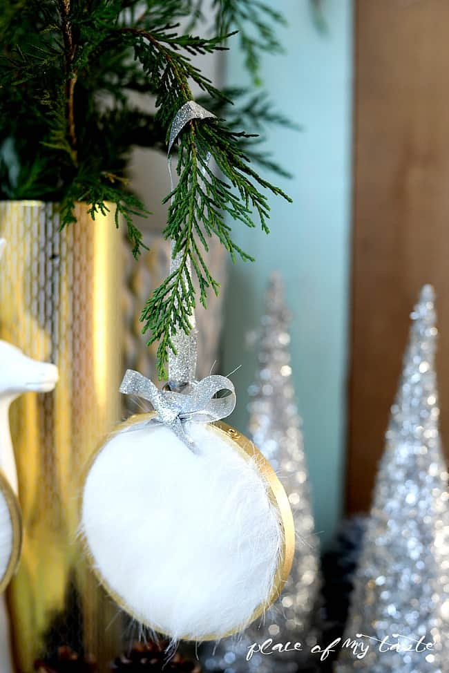 DIY FAUX FUR CHRISTMAS ORNAMENT