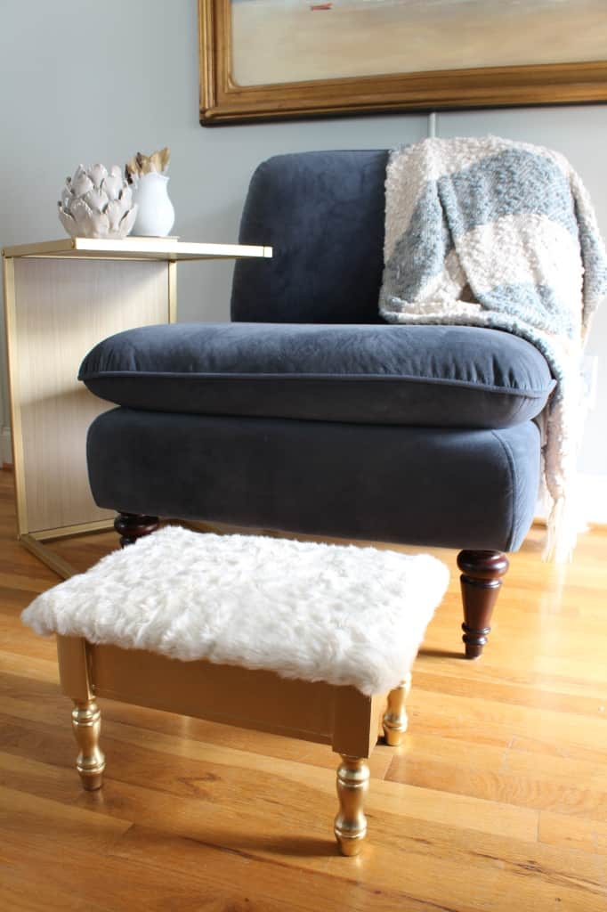 DIY FUR STOOL