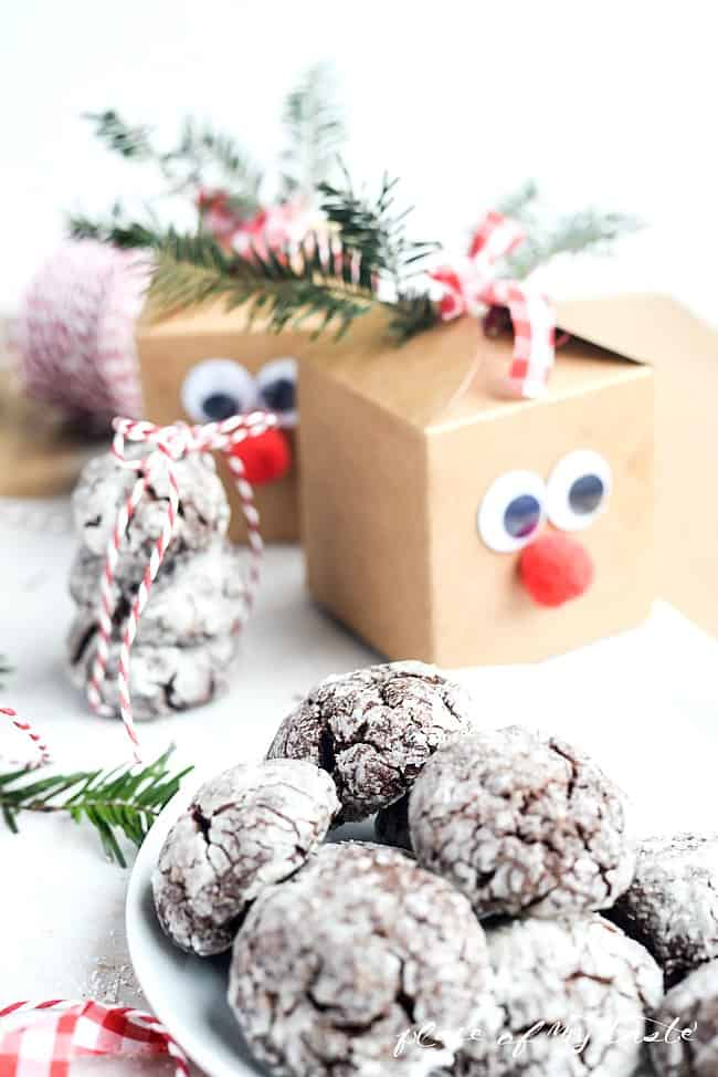 Chocolate Crinkle Cookies- Placeofmytaste.com
