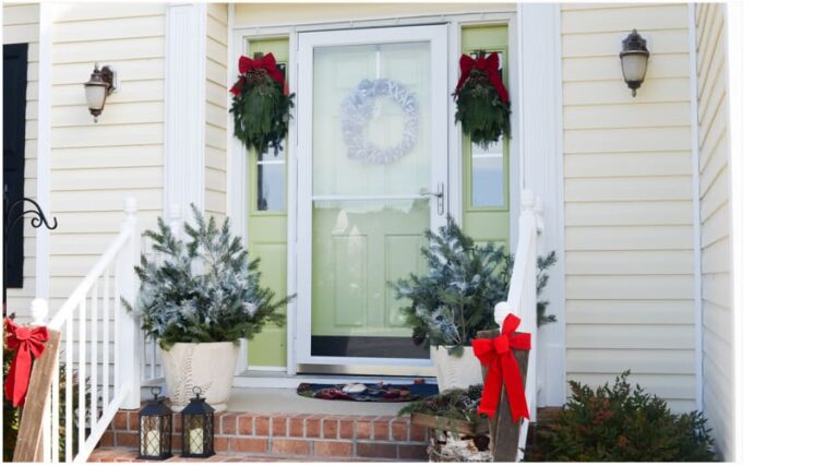 HOLIDAY OPEN HOUSE:CHRISTMAS FRONT PORCH AND PLAID DINING ROOM DECOR