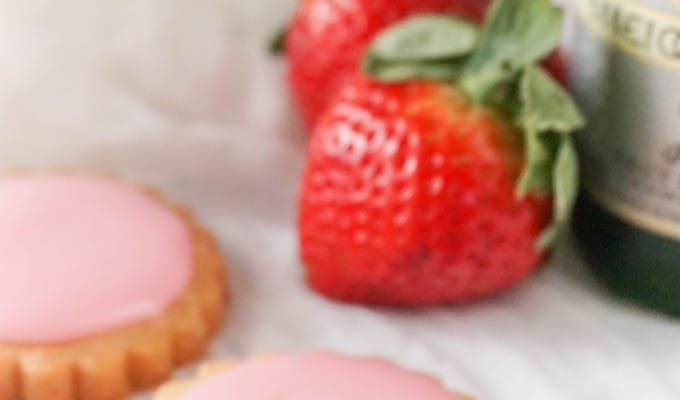 Strawberry Champagne Shortbread Cookies