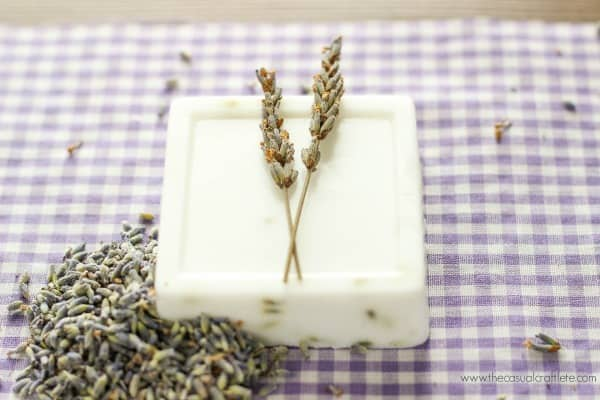 DIY Lavender Goats Milk Soap Recipe - easy to make soap for beginners