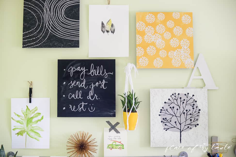 EASY GALLERY WALL WITH COMMAND DECOR