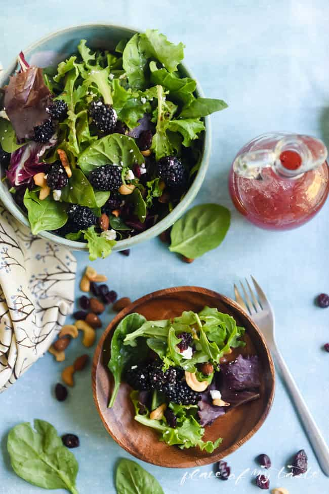 BLACKBERRIES AND GREENS SALAD