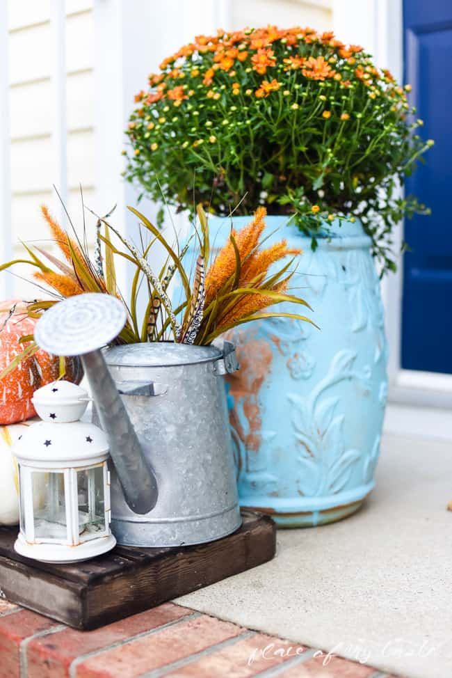 FALL FRONT PORCH DECOR (1 of 1)