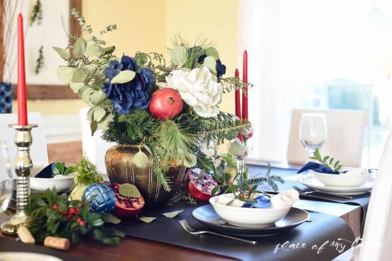 FESTIVE CHRISTMAS TABLE SETUP ( plus 10 more)