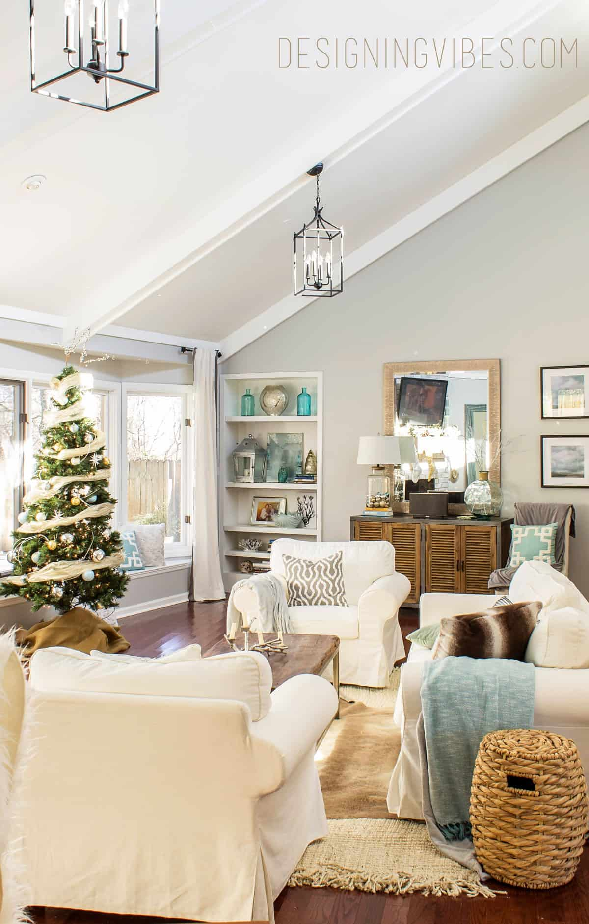 Vintage apartment fixer upper christmas feature roundup