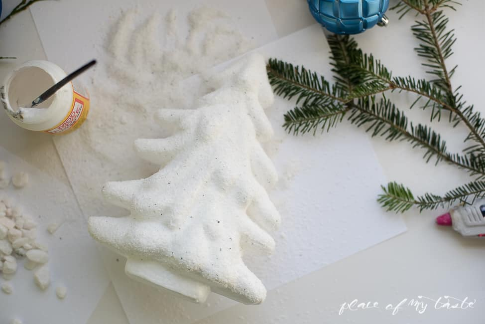 snovy tree and reindeer + christmas mantle-4