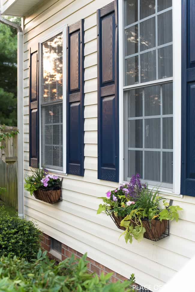WINDOW FLOWER BASKET ON VINYL SIDING