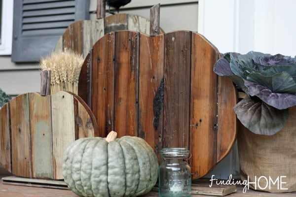 front-door-fall-pumpkins