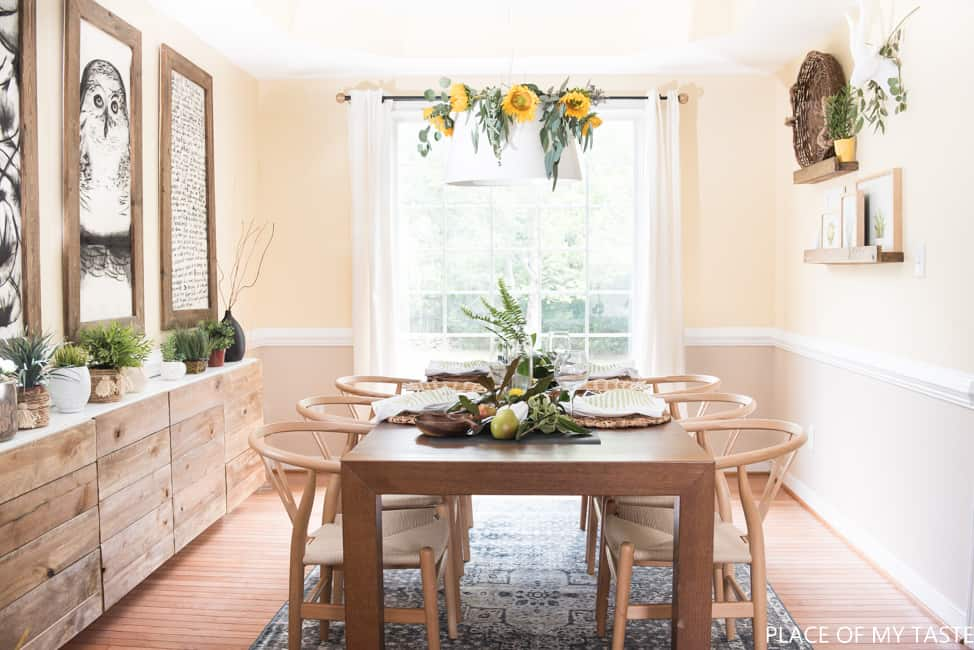 easy-friendsgiving-table-setup-12