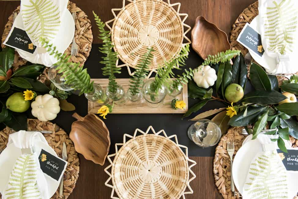 easy-friendsgiving-table-setup-6