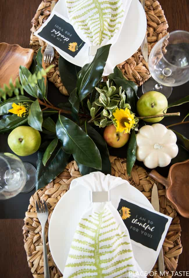 easy-friendsgiving-table-setup-7