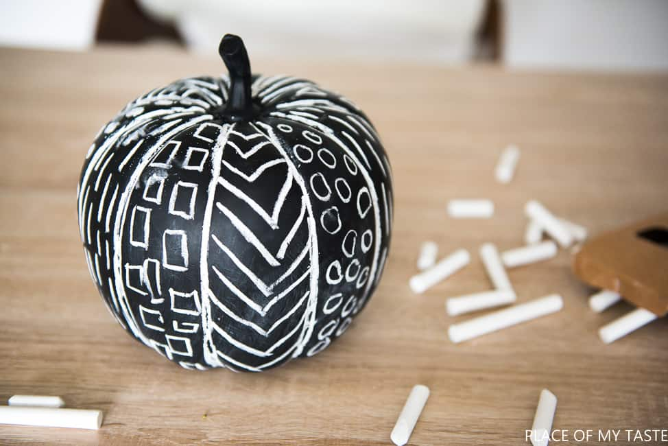 DIY chalk pumkins