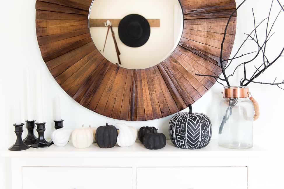 minimalist-halloween-decor-6