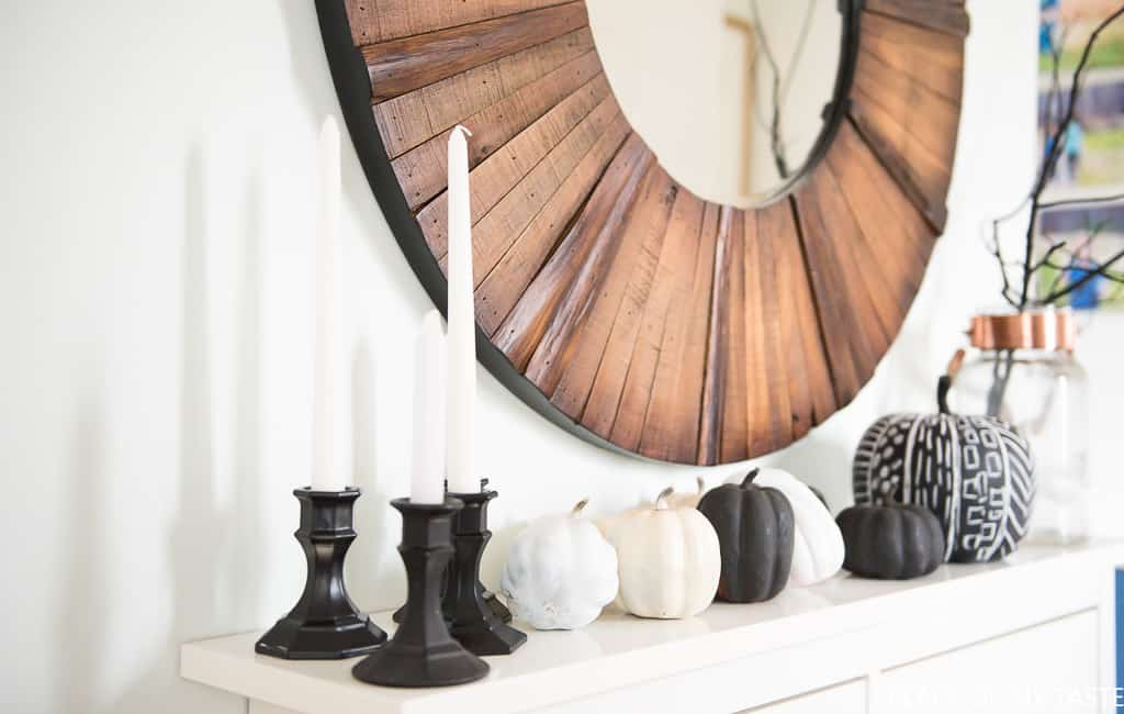 black and white pumpkins for elegant halloween decor