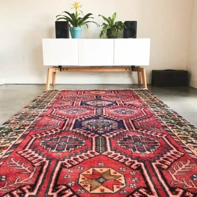 TIPS ON BUYING VINTAGE RUGS