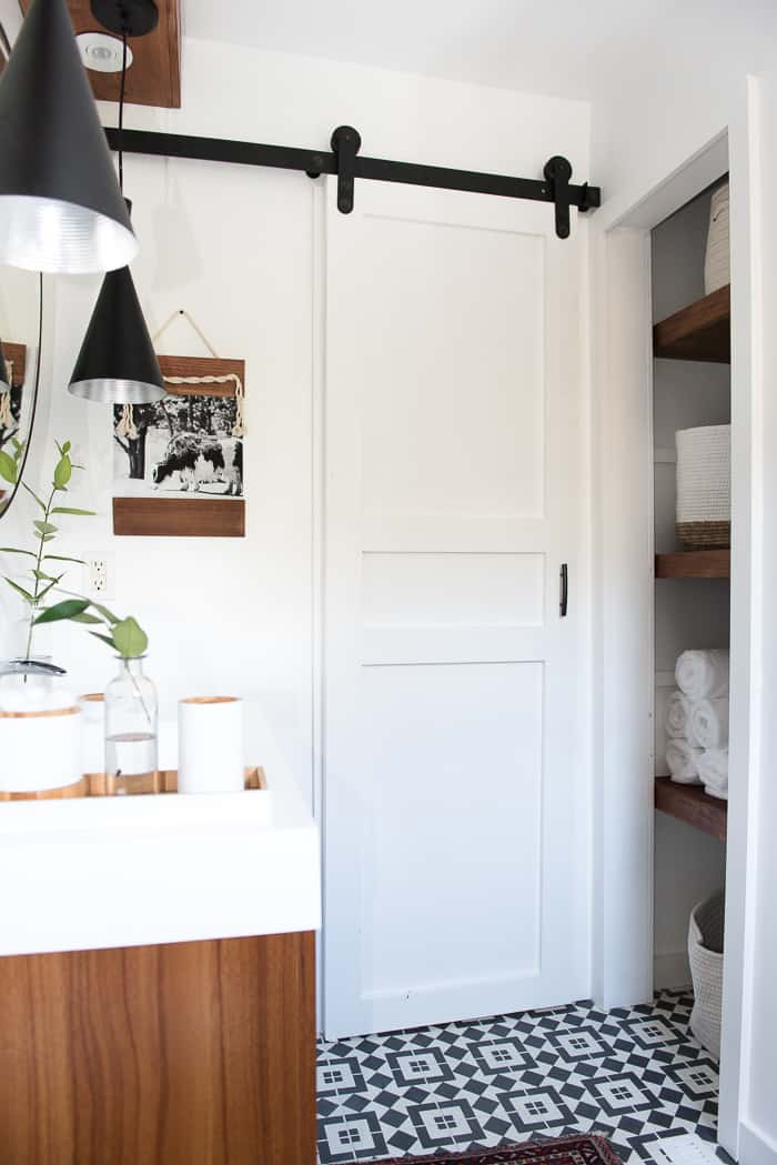 Ordinaire Learn How To Make This Modern DIY Sliding Barn Door. Itu0027s Easy And Adding A