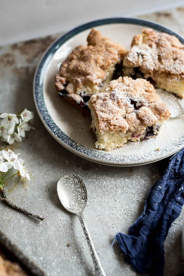 DELICIOUS AND EASY BLUEBERRY BUCKLE RECIPE