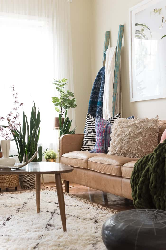 SEASONAL SIMPLICITY SPRING HOME TOUR.